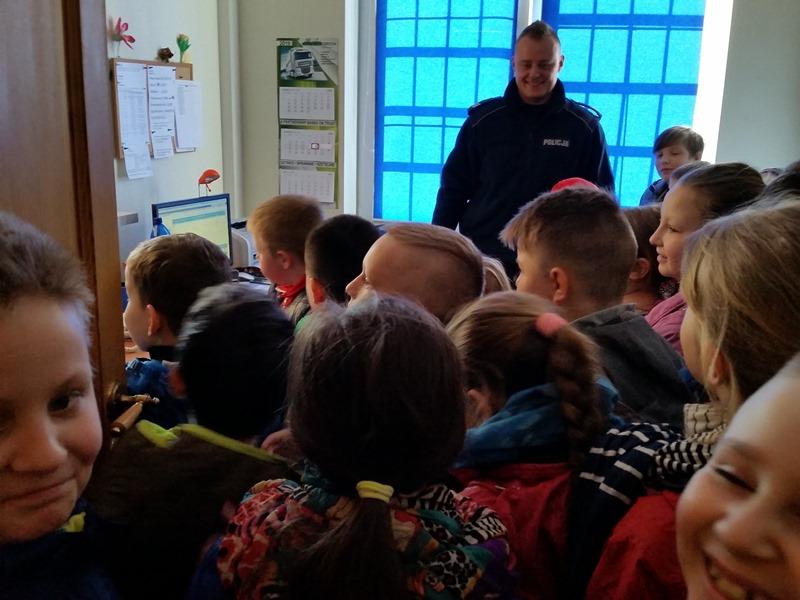 Spotkanie z Policjantem w klasach trzecich