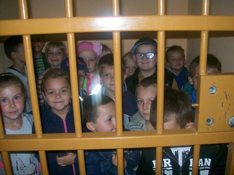 Wizyta maluchów na Komisariacie i w NCKiB
