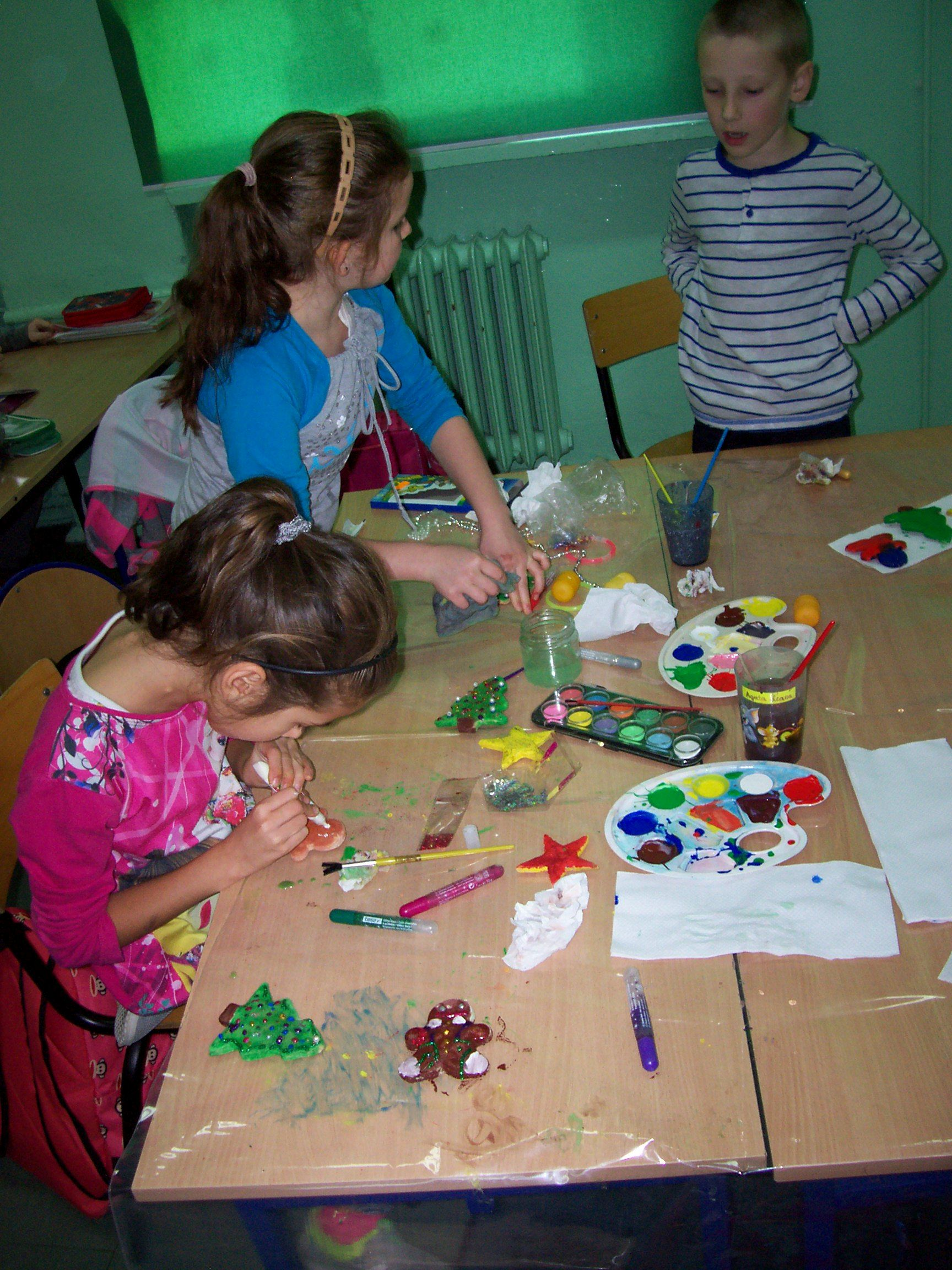 Paczki dla polskich dzieci ze szkoły w Rukojniach na Litwie